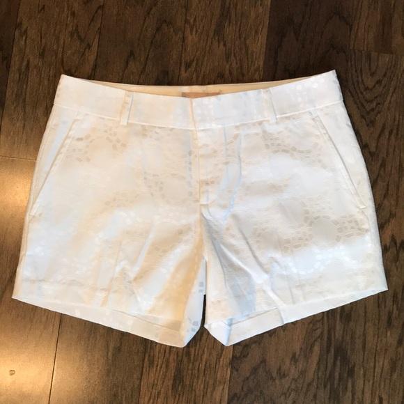Banana Republic Pants - Banana Republic white trouser shorts sz. 6